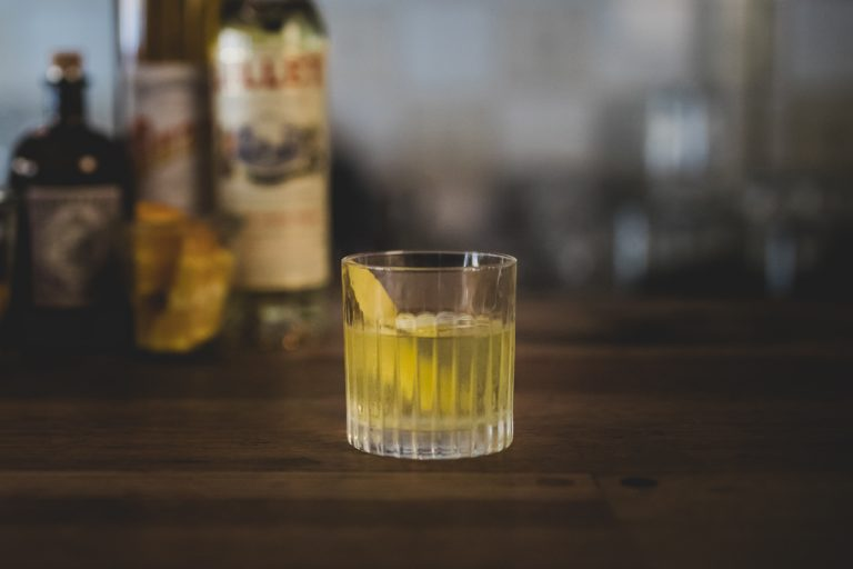 Cocktailopskrift White Negroni