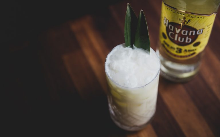 Cocktailopskrift Cuban Pina Colada