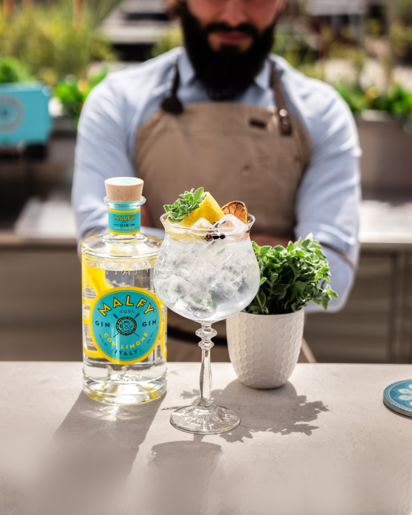 gin tonic opskrift twist limone Malfy cocktail